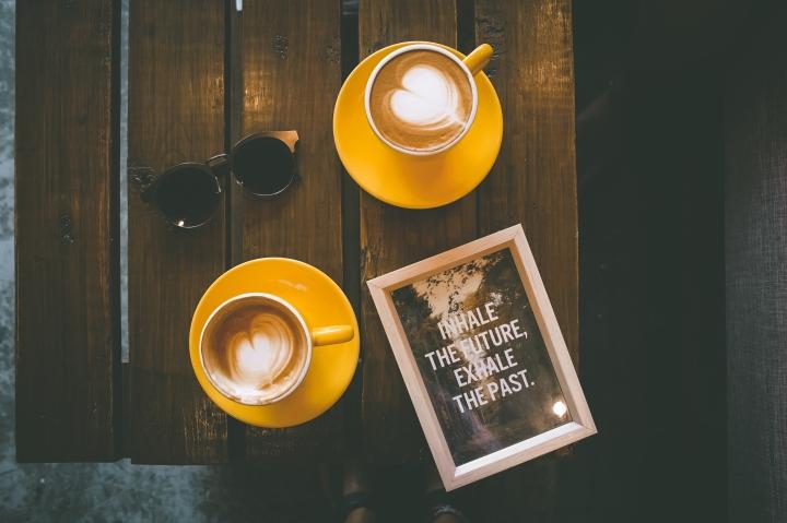negative-space-coffee-wood-table-sunglasses-toa-heftiba